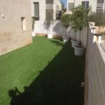 התקנת דשא סינטטי - מרכז הדשא